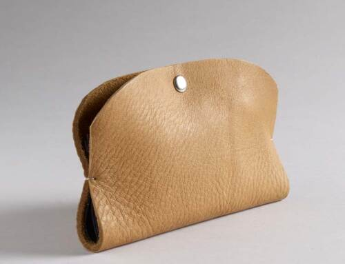 Pocketbook phone wallet in Cashew leather