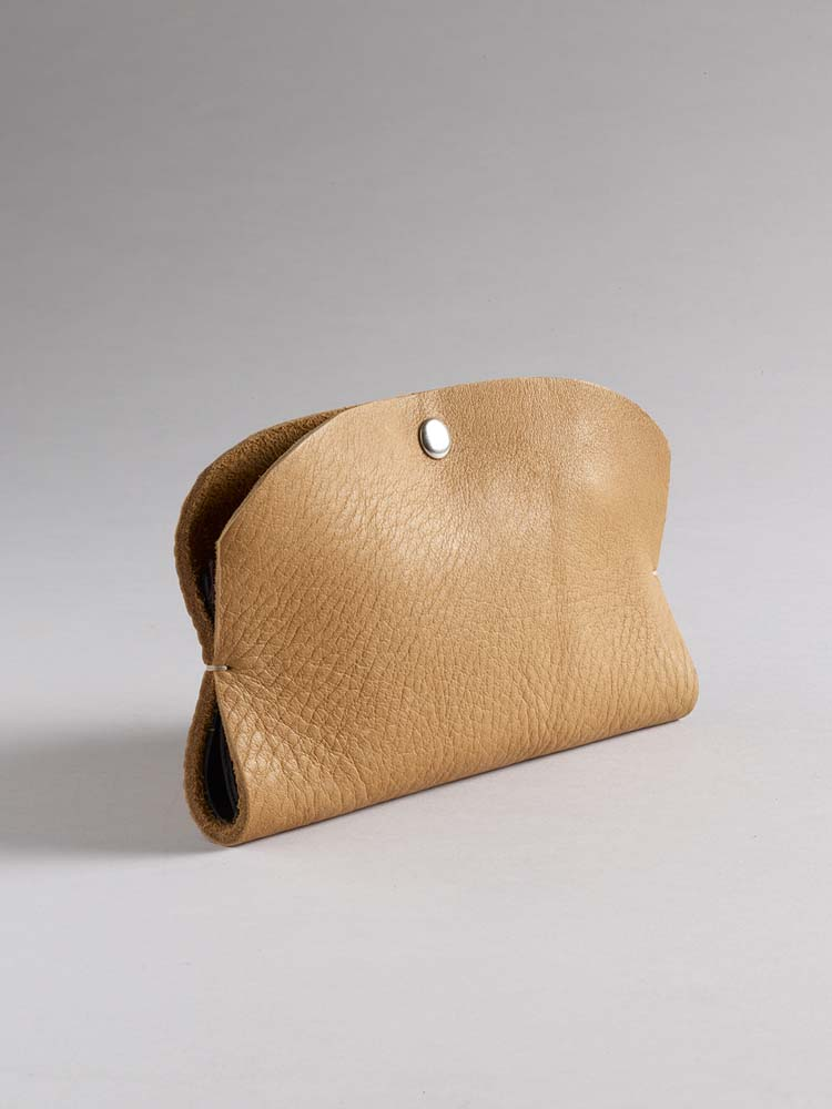 Jill Harrell - Pocketbook phone wallet in Cashew leather