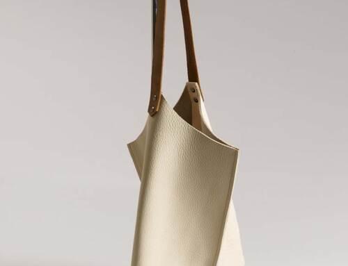 Wedge handbag – Thick cream bull hide