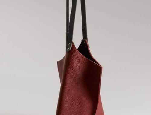Wedge handbag – Port bull hide